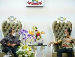 Terima Bupati Wajo, Plt Gubernur Sulsel Bahas Rencana Kunjungan Presiden Jokowi