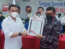 Dukung Ketersediaan Darah di Masa Pandemi Antarkan Danlantamal VI Raih Penghargaan PMI Makassar