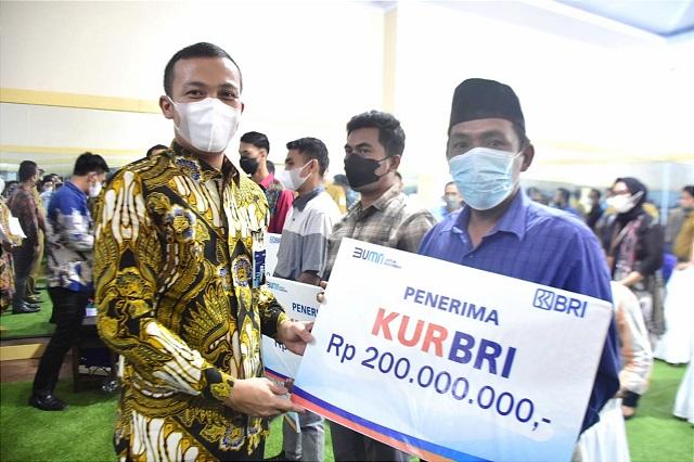 nggota DPR RI dari Gerindra Ini Berikan Bantuan Modal untuk UMKM